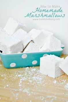 This post will teach you how easy it is to make your own homemade marshmallows. Perfect for s'mores, recipes, and gifts! Recipes With Marshmallows, Homemade Marshmallows, Homemade Candies, Candy Recipes, Sweet Recipes, Dessert Recipes, Just Desserts, Delicious Desserts, Yummy Food