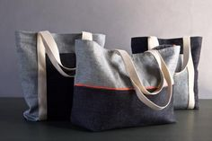 Favorite Totes in Denim with Colored Motes- Purl Soho, I want one of these, just need someone to make it. Dress Sewing Tutorials, Sewing Ideas, Sewing Patterns, Small Sewing Projects, Craft Projects, Pouch Pattern, Purl Soho, Opus, Love Sewing