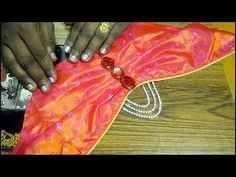 this video shows the cutting and stitching of this bridal sleeve in a simple and easy way. Traditional Blouse Designs, Simple Blouse Designs, Stylish Blouse Design, Fancy Blouse Designs, Bridal Blouse Designs, Blouse Neck Designs, Blouse Patterns, Sleeves Designs For Dresses, Sleeve Designs