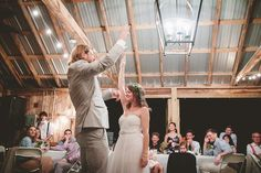 We're gushing over this affordable affair at Leiper's Fork Inn! All on a budget of $8,000, Mandy and Mitch had the perfect wedding weekend full of dancing, laughter, eating, and celebration!   More at @styleblueprint here: http://styleblueprint.com/williamson-co/everyday/mitch-and-mandys-wedding-an-affordable-affair