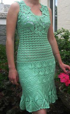 Green Flower Dress - free crochet graph pattern
