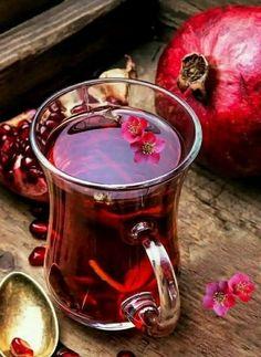 Tee Kunst, Turkish Tea, Grenade, Tea Glasses, Pomegranate Juice, Tea Art, Kakao, Herbal Tea, Detox Tea