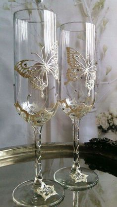 Set of 2 hand painted champagne flutes Swarovski crystal Butterfly couple wedding glasses by PaintedGlassBiliana Wine Glass Crafts, Wine Bottle Crafts, Bottle Art, Decorated Wine Glasses, Hand Painted Wine Glasses, Wedding Wine Glasses, Wedding Champagne Flutes, Deco Floral, Wedding Crafts