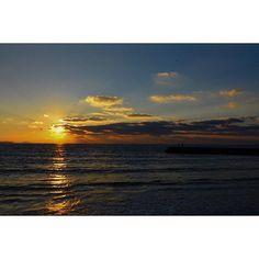 【tkz29】さんのInstagramをピンしています。 《#福岡 #海 #夕日 #夕焼け #きれい #忘年会 #空 #雲 #太陽 #自然 #japan #sea #ocean #sunset #beautiful #sky #cloud #sun #nature #Saturday #weekend #trip #love #nikon #followme #写真撮ってる人と繋がりたい #週末 #旅行》