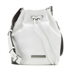 Marc by Marc Jacobs Leather Bucket Bag (3.650 NOK) ❤ liked on Polyvore featuring bags, handbags, shoulder bags, white, genuine leather shoulder bag, leather shoulder handbags, white bucket bag, white leather purse and white handbags