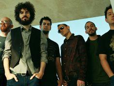 A 10 años de su primera presentación en México, la banda de rock estadunidense Linkin Park vuelve a nuestro país como parte del proyecto World Stage Monterrey – México, de MTV, quel este año se efectuará en la capital neoleonesa.  Será el 12 de septiembre cuando los intérpretes de In the End lleguen a la Sultana del Norte para ofrecer un show en el que mostrarán los temas de Living Things, su próximo disco, el cual saldrá a la venta el 26 de junio.