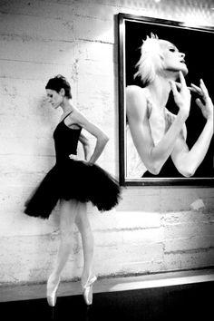 Ulyana Lopatkina, Mariinsky Ballet - Photographer Sasha Gouliaev.