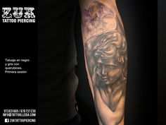 Tatuaje en negro y gris con querubines. De Yarda, en ZUK Tattoo Piercing