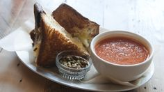 The Queens Kickshaw: BEST grilled cheese and tom soup!
