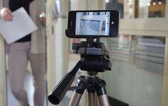 Der Glif-Halter für das iPhone 4 ist so vielfältig einsetzbar, wie er klein ist