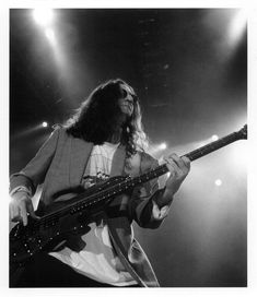 I will never, ever get tired of Geddy 🖤 . Rush Music, Rush Concert, Rush Band, Geddy Lee, Alex Lifeson, Neil Peart, Greatest Rock Bands, Big Time Rush, Great Bands