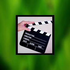 Hvordan komme i gang med video? Nå som mange bedrifter står i utfordrende tider er det lurt å få flere bein å stå på. Klikk her for å få med deg noen tips 👊 Dating, Polaroid Film, Scene, Camera, Quotes, Stage