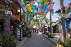 Sayulita is a small surf town on the west coast of Mexico. Compared to the big resorts in nearby Puerto Vallarta and Mazatlan, it's very relaxed, people walk around bare foot and all roads lead to the beach.  But if you're coming from San Pancho, like we were, it's practically