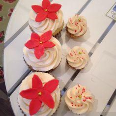 Up next is 4: Chai with a glögg flavoured frosting. #cupcake #jul #christmas #december #fika #dessert #snack #saffran #pepparkaka #gingerbread #ädelost #fruitcake #chai #chocolate #pecan #whiskey #caramel #candycane #göteborg #linné #gbgftw #fint #gott #yummy #gottegris #lyx #lycka #love #fredagsmys