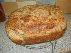 výborný celozrnný chléb