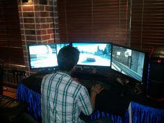 A 3 Monitor Gaming Setup (Closer Shot), via Flickr.