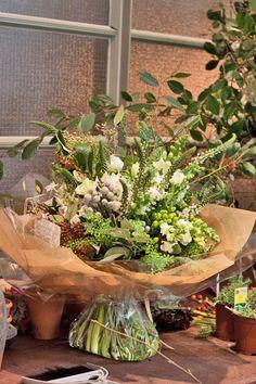 Florist Friday: Inside That Flower Shop in London's East End Amazing Flowers, Love Flowers, Wedding Flowers, Flower Centerpieces, Flower Decorations, Flower Shop Decor, Flower Market, Flower Shops, Flower Packaging