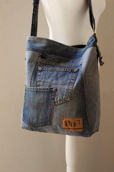 Latest Snap Shots bags material products Tips , , XL denim BAG Weekender bag Hobo bag Recycled denim Denim Backpack, Denim Tote Bags, Denim Purse, Hobo Bags, Jean Diy, Blue Jean Purses, Denim Ideas, Denim Crafts, Old Jeans