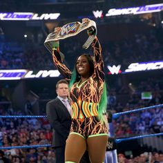 The blue brand truly feels the glow as Naomi returns from WrestleMania to put her newly captured SmackDown Women's Championship on the line against former titleholder Alexa Bliss. Trinity Fatu, Wwe Women's Division, Becky Lynch, Wwe Womens, Total Divas, Wwe News, Wwe Photos, Super Sport, Wwe Divas
