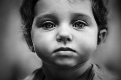 28 Super Ideas Photography Kids Black And White Eyes Teen Photography, Quotes About Photography, Photography Challenge, People Photography, Children Photography, Portrait Photography, Amazing Photography, Black And White Face, White Eyes
