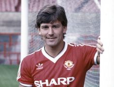 Bryan Robson Date of birth 11 January 1957 (age Place of birth Chester-le-Street, England Height 5 ft 11 in m) P. Man Utd Squad, Man Utd Fc, Bryan Robson, Manchester United Legends, Association Football, Premier League Champions, Best Football Players, Retro Football, Manchester United Football