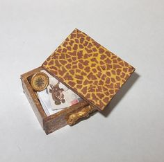Dollhouse miniature animal print box scale 1/12 by Teruka on Etsy, €7.00