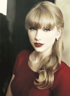 sheis soo cute and pretty i  personally love taylor all of her songs are like that really happened