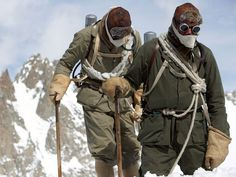 movie review of recreation of George Mallory's 1924 attempt at Everest. Modern Climbers. Vintage High altitude.