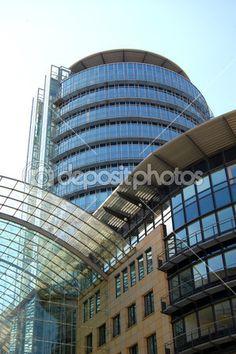 Lizenzfrei dowloaden...    #unternehmen #sky #office #industrie #facade of a house #commerce #city #building #blue sky #Industrie #HighRise #Fassade #Büros #Architektur