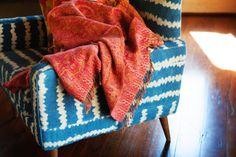http://1.bp.blogspot.com/-ZNpofTyaYyI/Ubve1NjzAXI/AAAAAAAANoA/tvDIiU2ijAs/s640/Indian-Paisley-Throw-Red-Chilli.jpg