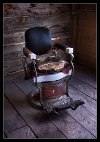 old west hair cut old west hair cut [br] Old West, Boutique Vintage, Gray Dining Chairs, Into The West, Western Homes, Barber Chair, Western Decor, Ranch Style, Cool Chairs