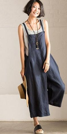 Jumpsuits For Women Are Back! Jumpsuits For Women Are Back! Ethnic Fashion, Look Fashion, Fashion Outfits, Fashion Tips, Fashion Design, Latest Fashion For Women, Womens Fashion, Overalls Women, Overalls Outfit