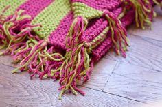 Tricoter une couverture à pompons pour bébé - #RoseChiffon