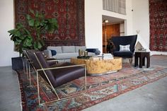 How Traditional Tribal Rugs Work in Modern Spaces Living Room Carpet, Living Room Grey, Persian Decor, Modern Carpet, Beige Carpet, Outdoor Furniture Sets, Outdoor Decor, Carpet Colors, Dinner Recipes For Kids