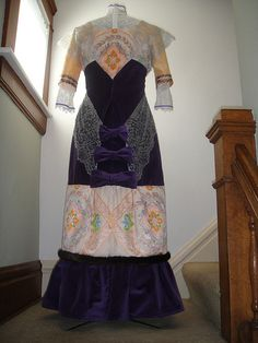 1912 Dress made for a Titanic Tea: Back