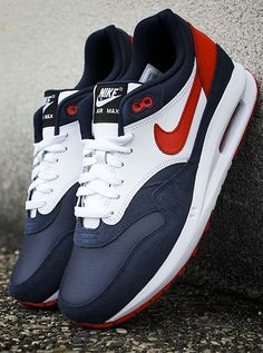 Nike ID Air Max Lunar 1 Paris Saint-Germain (by sneakersaddict) - mens dress casual shoes, nice casual mens shoes, mens slip on shoes