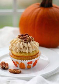 pumpkin mascarpone frosted vanilla bean cupcakes | a cup of mascarpone