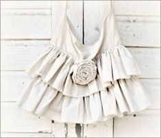 Ruffle Bag Pattern by claire.palma.3