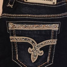 NWT Rock Revival Jeans. Sherry Easy Boot. 27/32 NWT Rock Revival Jeans. Sherry Easy Boot. 27/32 Rock Revival Pants Boot Cut & Flare