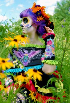 Vestido de los Muertos - Bringing Halloween into Bloom. Another stunning embroidered project from the Urban Threads Lab.