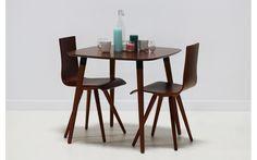 Un ensemble chaises et table couleur chocolat au lait ! Soyez gourmand et offrez-vous du design avec MyCreationDesign.com