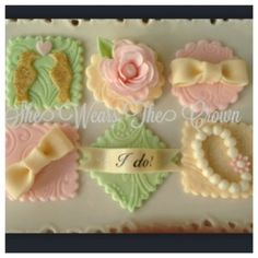 VIntage Bridal Fondant Toppers! She wears the crown – cookie favors, Fondant Cupcake Toppers, | cookie favors, Fondant Cupcake Toppers,