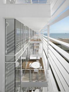 Jesolo Lido Condominium / Richard Meier  Partners Architects