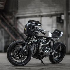A study in elegance and aggression: this is Ed Turner's BMW R65 cafe racer.