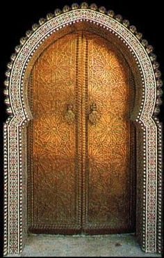 one of those cool doors that really make you wanna know what's on the other side ~<3