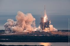 Historic launch pad back in service with thundering blastoff by SpaceX – Spaceflight Now