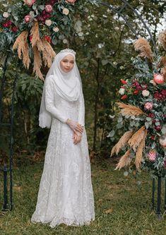 Malay Wedding Dress, Kebaya Wedding, Muslimah Wedding Dress, Muslim Wedding Dresses, Hijab Bride, Muslim Brides, Muslim Dress, White Wedding Dresses, Wedding Gowns
