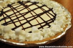 Homemade Amish Marshmallow Pie