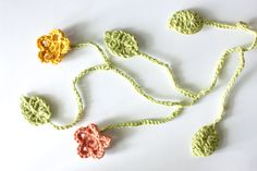 Flowers and leaves-free pattern