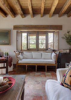 A rusticidade bela de uma casa de campo espanhola!